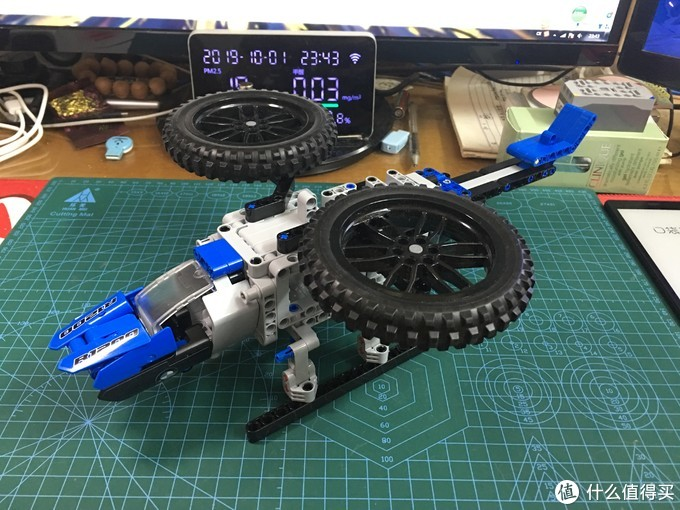 乐高42063宝马摩托车 初尝MOC成阿凡达科幻战斗机