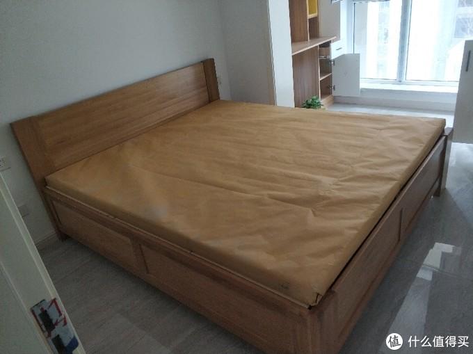 主卧箱体床
