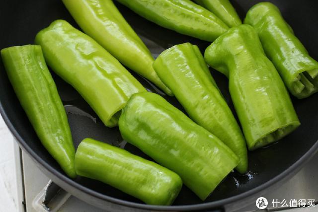 想吃辣椒还怕辣?只要做对这一步,辣味全跑光,连小孩子都敢吃!