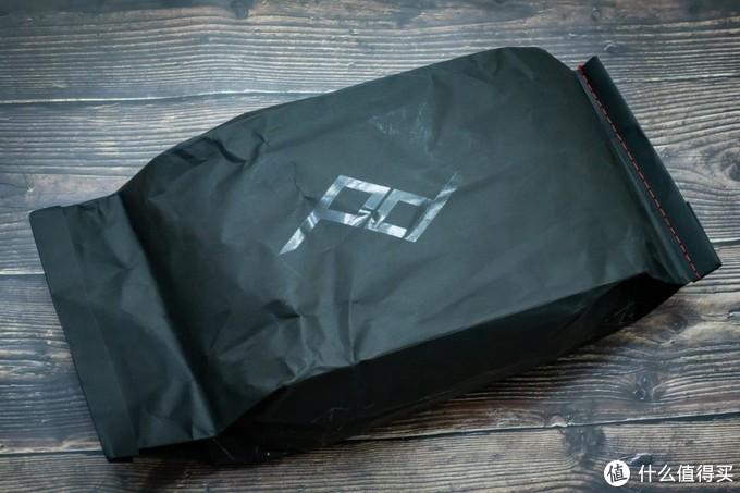 牛皮纸袋包装,一次性设计,不可重复利用。