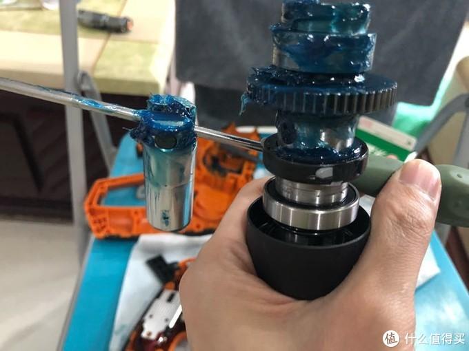 达文西之100元威克士wx382双电锂电冲击钻套装完全全拆解及保养流程