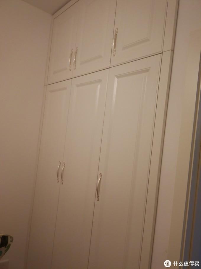 客卧定制衣柜