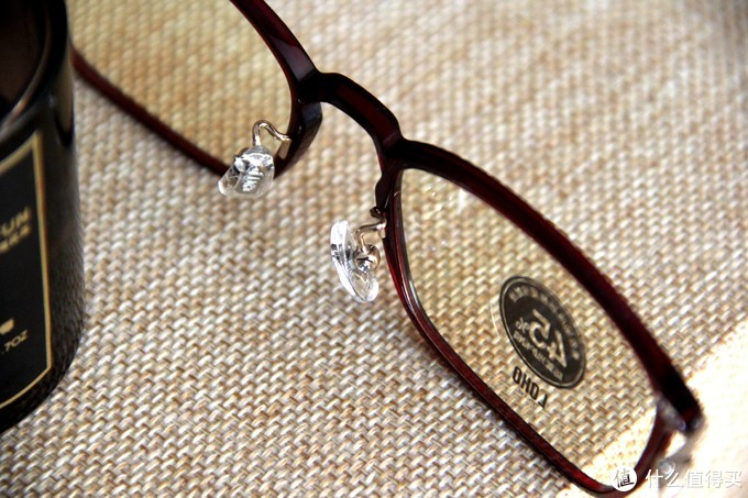 从现在开始防蓝光,这款双重阻隔技术的眼镜,颜值还贼高!