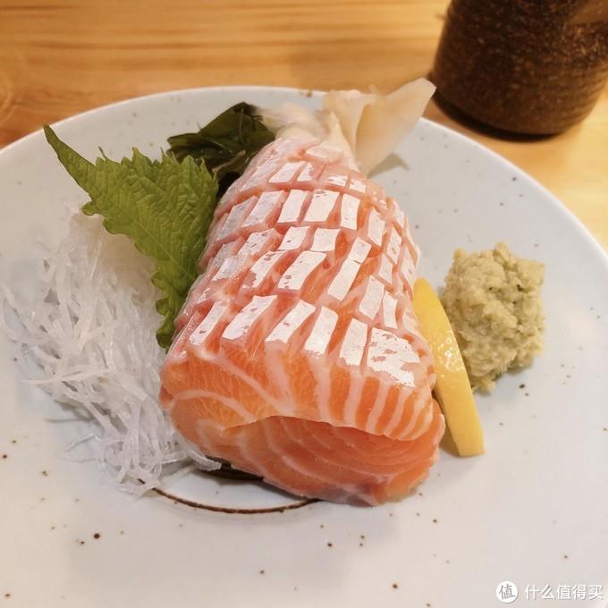 三文鱼腩刺身