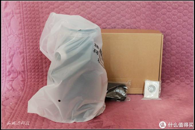 去除外包装箱所有的全家福,后面的纸箱内是各种管件和说明书系列。