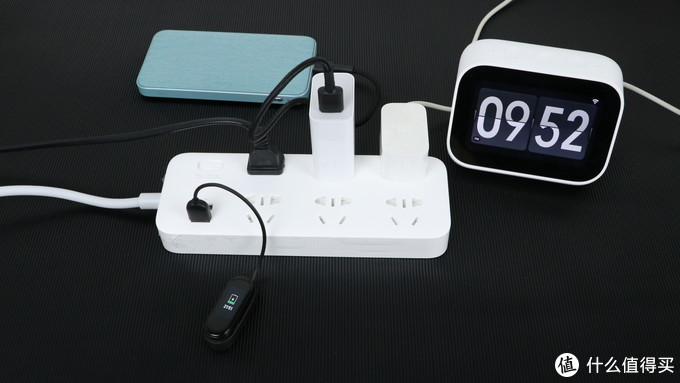 紫米六位插线板,18W的USB口快充,充电不再等待