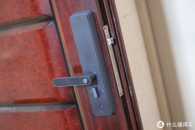 创米小白智能门锁G1,竟然使用防弹玻璃面板,值得购买吗?