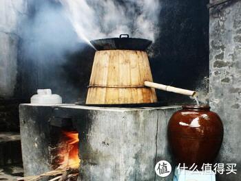 老式的蒸酒工具,图片源自网络