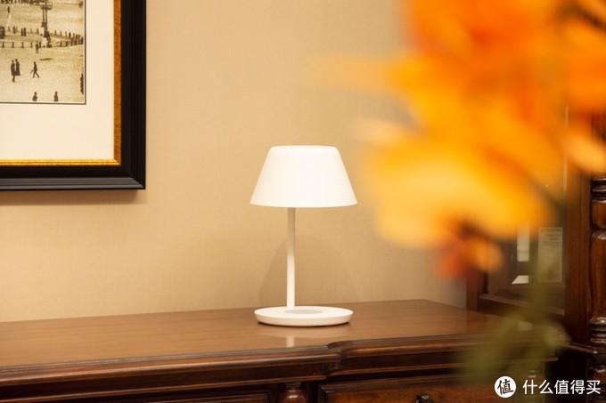 Yeelight星辰台灯Pro,多场景玩法,支持无线充电,售价仅349元