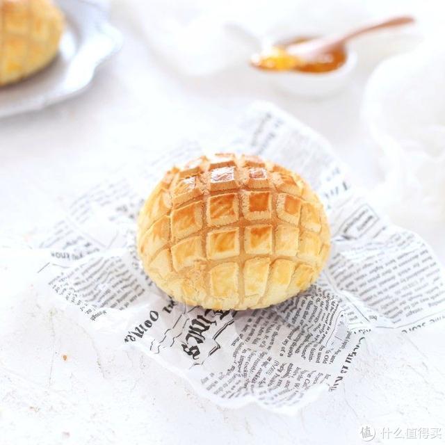 正宗菠萝包自己动手做,外酥内软、香甜美味,比买的还好吃!