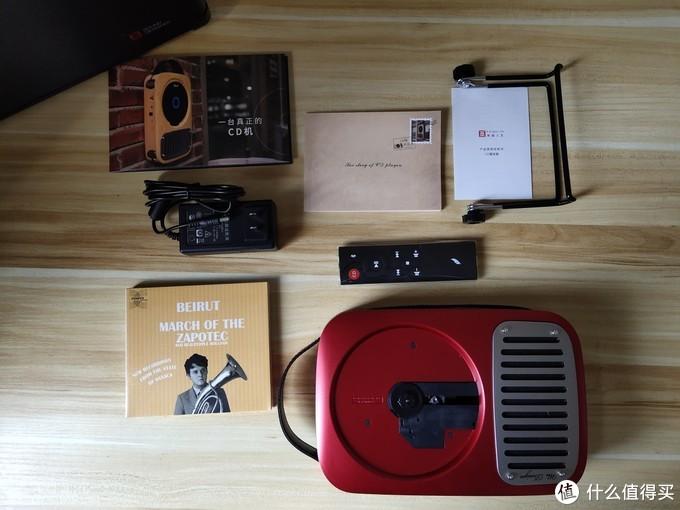 壁挂式CD机进入数字时代,用音乐勾起怀旧回忆!