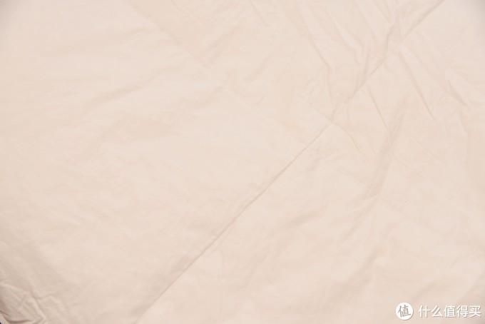 被子是越厚越保暖吗?——化纤/棉花/蚕丝/羽绒四款冬被的主流填充物横评测试