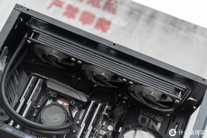 ROG STRIX LC 360冷排与 MF SF360R ARGB 一体式风扇