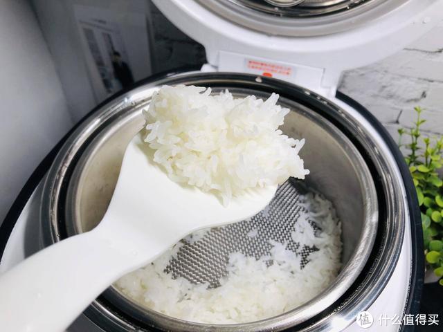 """专为控制血糖而生的""""电饭煲""""——臻米脱糖降糖电饭煲"""