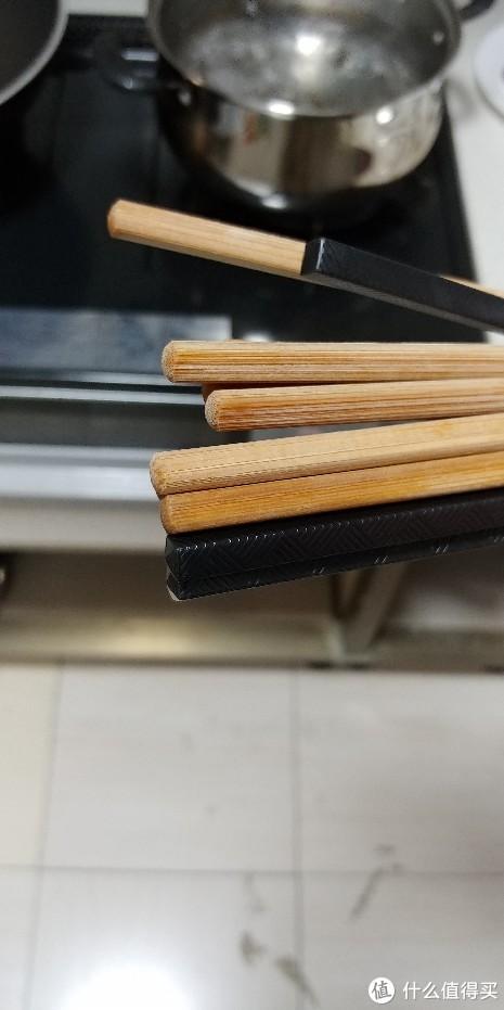筷子末端比较润
