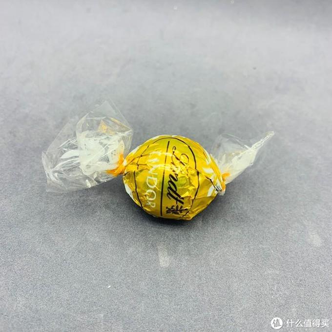 """第一口被秒!你露馅了!Lindor瑞士莲浓浓软心巧克力!买得起的""""奢侈品""""!"""
