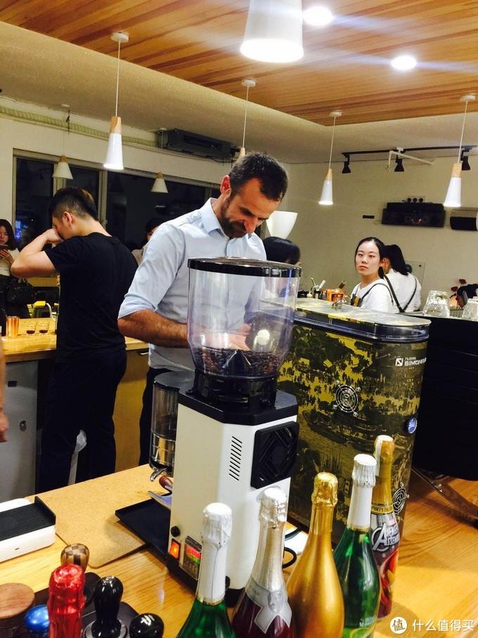 参加WBC世界冠军在本地咖啡店的分享活动