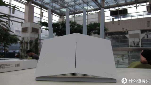 360家庭防火墙V5S体验:立式千兆、智能双频、三口盲插