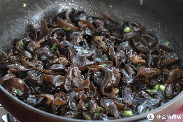 夏季以素食为主,这菜我家每周吃一次,清口不油腻,让肠胃更健康