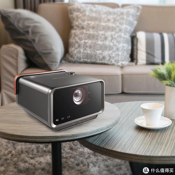 你要的客厅影音娱乐 小身材也有大画面的微型投影机