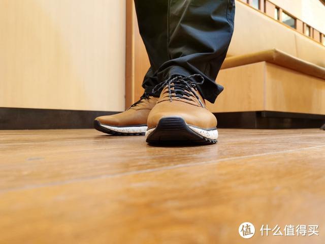 选鞋还分正装和休闲?七面缓震户外休闲牛皮鞋满足你多场合需求