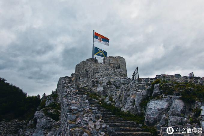乌日策堡垒
