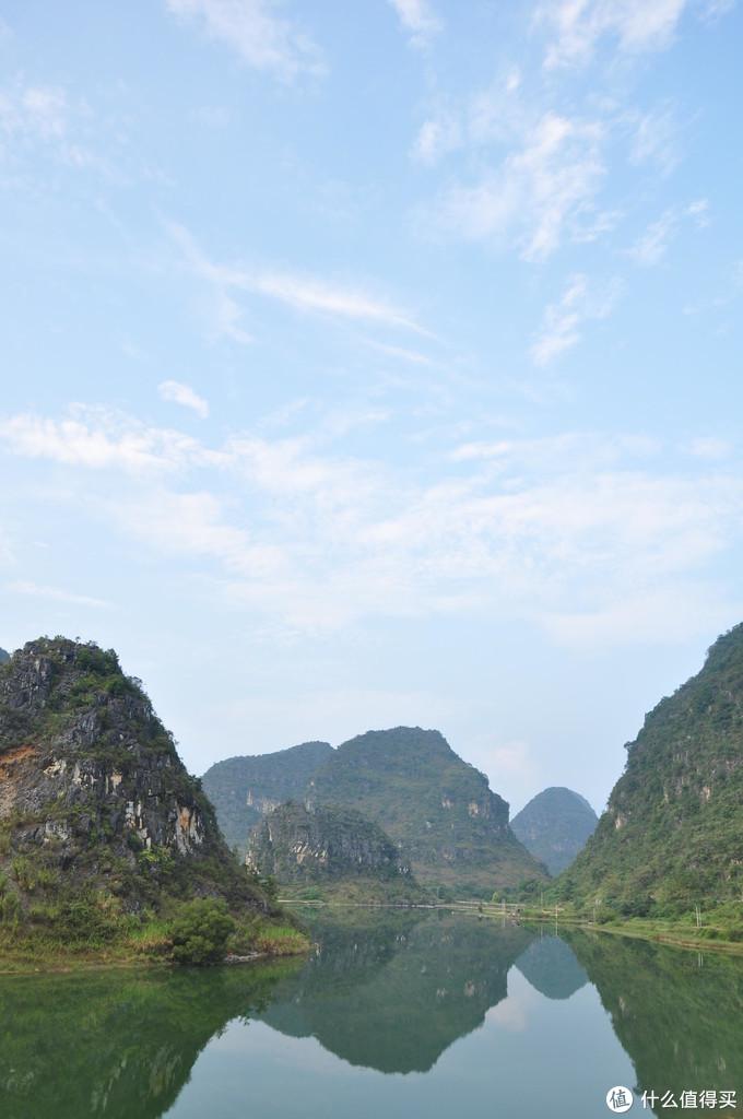其实就是大坝另外一面的山水,喀斯特地貌加上水,怎么拍照怎么好看