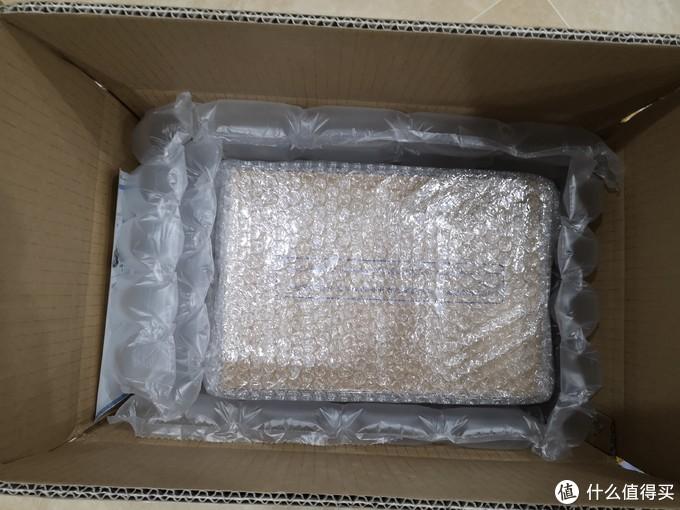 打开箱子,包装很不错,里面还有一层,看了订单发现我需要找客服退定金,之前没注意