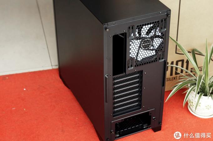 少了一份光污染,多了一份厚重与静音——安钛克P101静音机箱测评