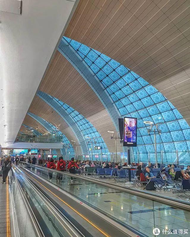 迪拜机场的香水,逛它