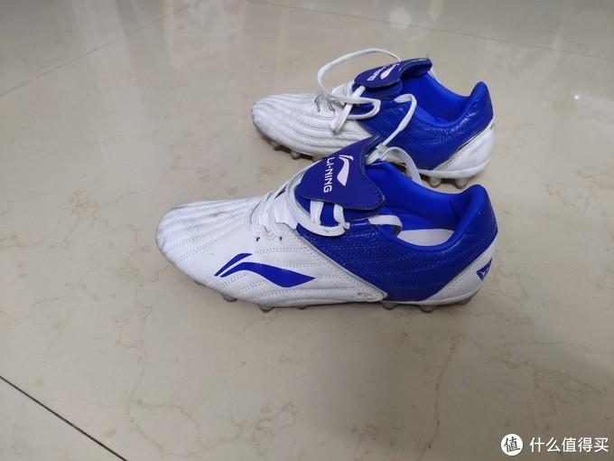 李宁AG铁系列袋鼠皮足球鞋——国足赢关岛7:0,你怎么看?