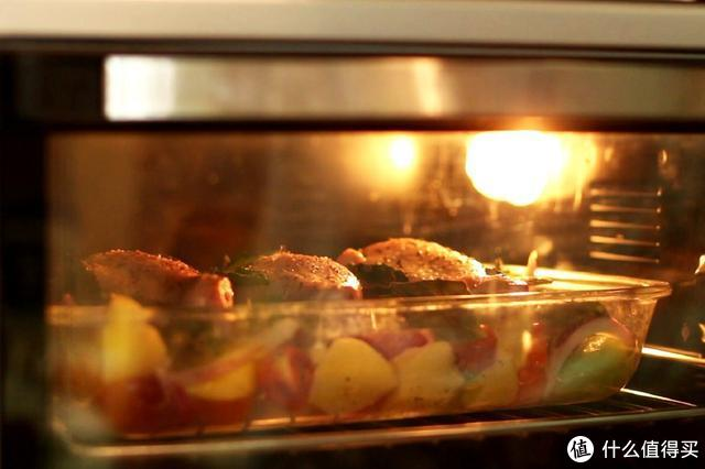 鸡腿这样做简单省事又好吃,皮酥肉嫩,吃完连汁都不剩