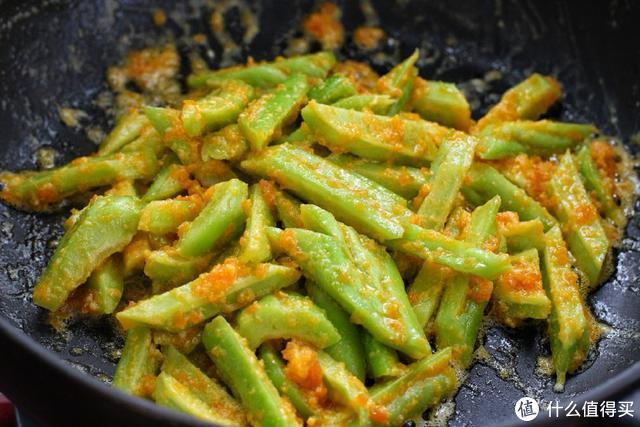 苦瓜和它一起炒,苦味全跑光,简单又美味,吃完还不用担心长肉!