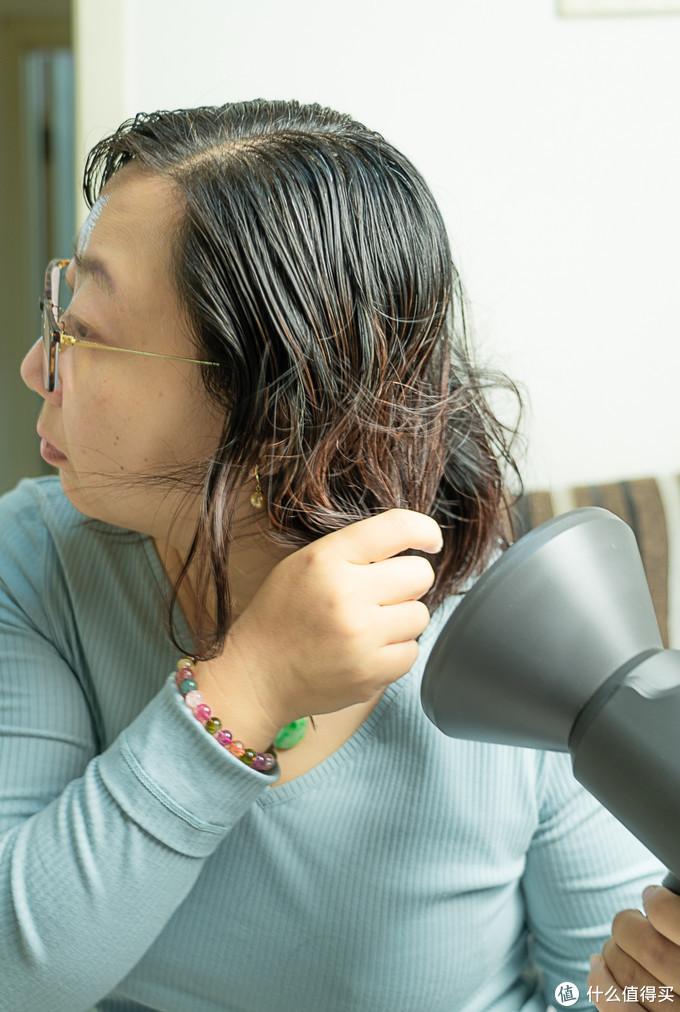 吹风机对护发的作用有多大?Lowrarouge罗拉家用电吹风筒体验
