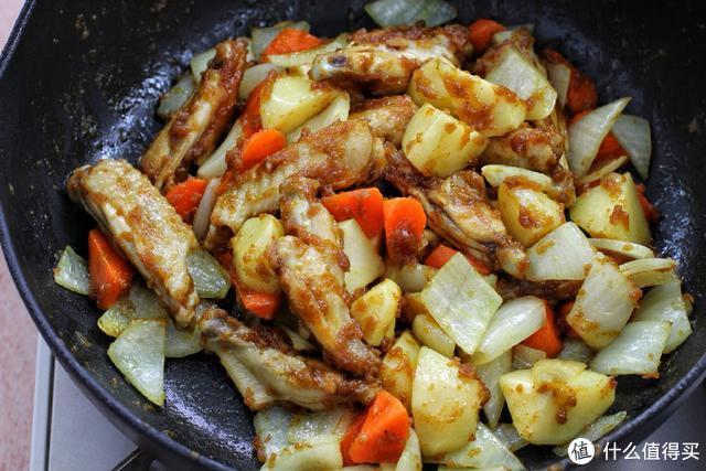 咖喱饭这样做,饭菜一锅出,营养成分不流失,而且味道好得不得了