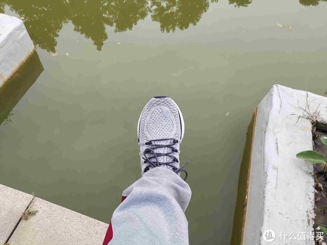 你还为健身跑步穿什么鞋发愁么?不妨试试轻便舒适的米家运动鞋3