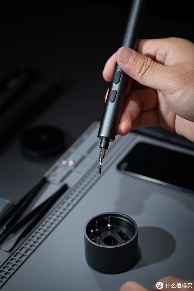 小巧双动力,超长大续航--MR1精修锂电螺丝刀上手体验