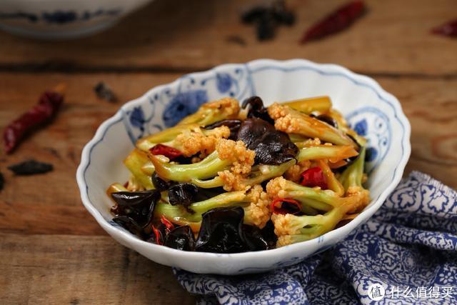 秋季润肺是关键,这菜我家经常做,营养又美味,没肉也能吃两碗饭