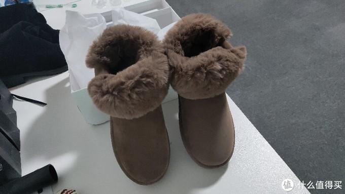 小姐姐花了39.9元买到手的雪地靴,开箱实测