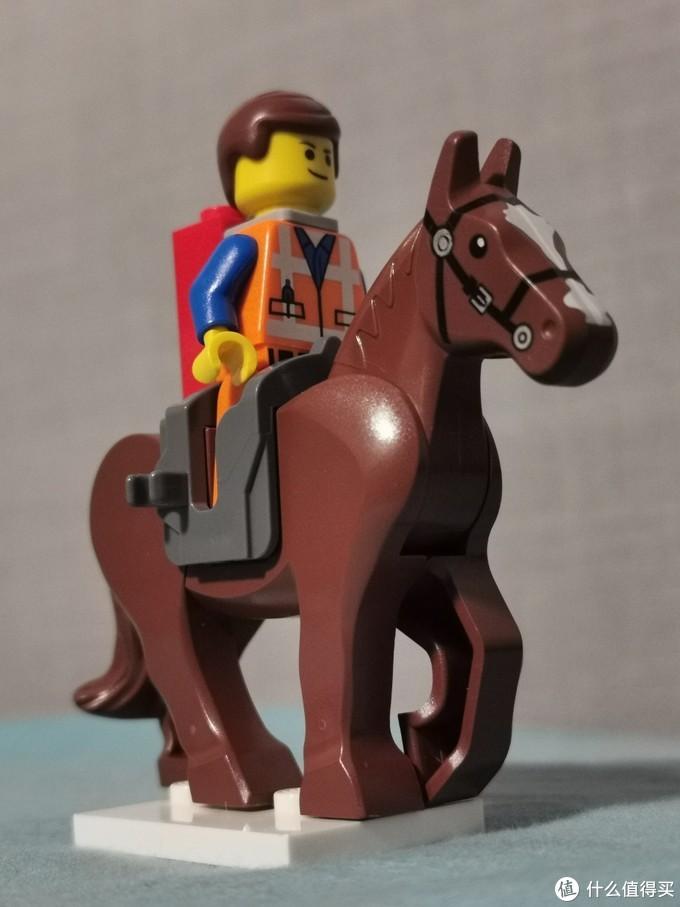 艾米特骑马