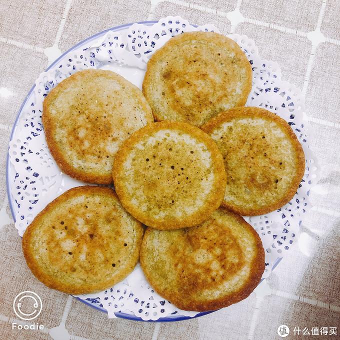 青稞饼,口感像玉米面加白面的饼子,不是很喜欢软软的口感