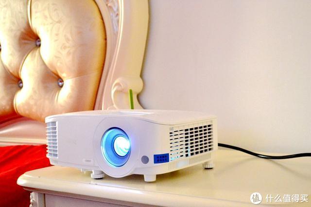 不要再听LED投影机瞎忽悠了!投影还是要看灯泡机!明基E580T体验