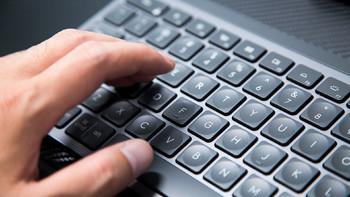 罗技 MX KEYS键盘图片展示(按键|指示灯|防滑垫|脚撑|键帽)