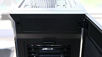 酷冷至尊机箱怎么样简评(出风口|电源风口|接口|硬盘笼|风扇)