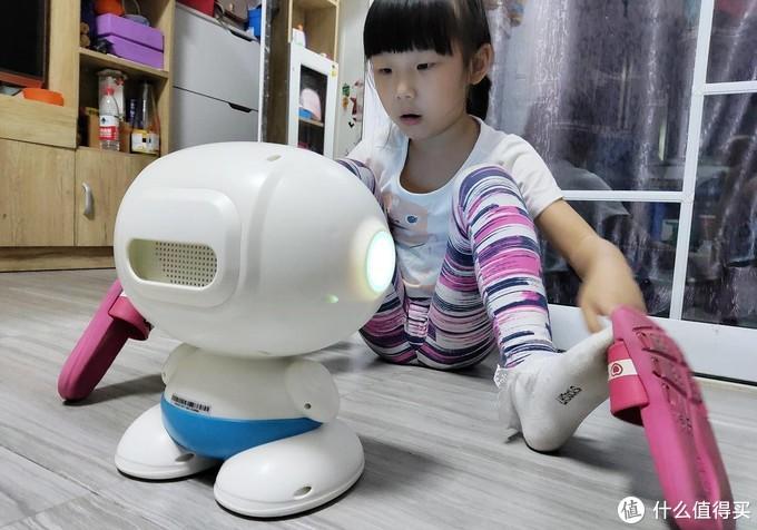 学习娱乐两不误,孩子喜爱的文小尊机器人测评