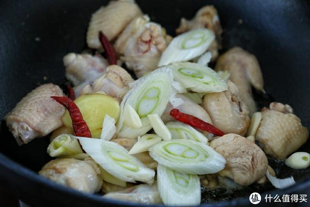 这菜特别适合现在的季节,美味下饭、经济实惠,吃完浑身都暖和了