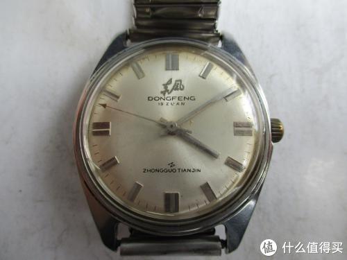 上海全钢手表125元,要有票才买得到。
