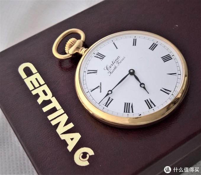 德式大日历+钛游丝,这样一款金属链腕表竟然不足万元?