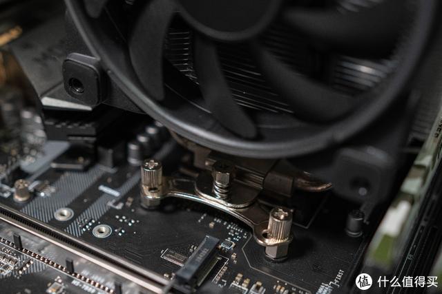 安静舒适!拥有超频三GI-R66U东海风云CPU散热器,还要什么自行车