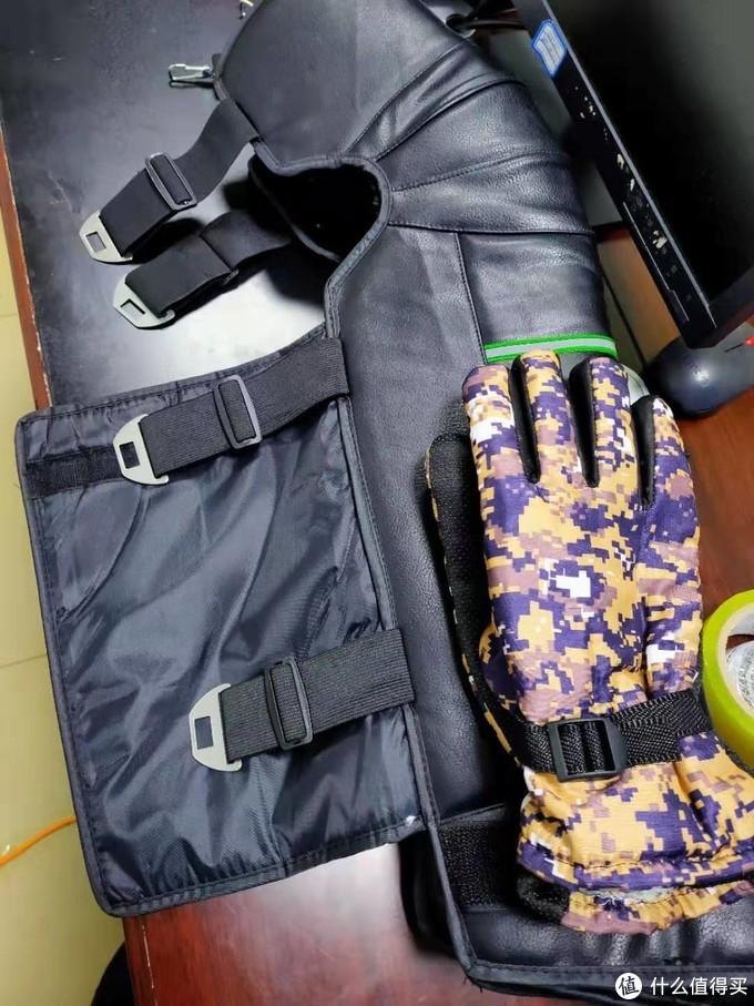 还送了副手套,这副和我的手型反倒挺贴合,质量嘛,就没上面的猪皮好了